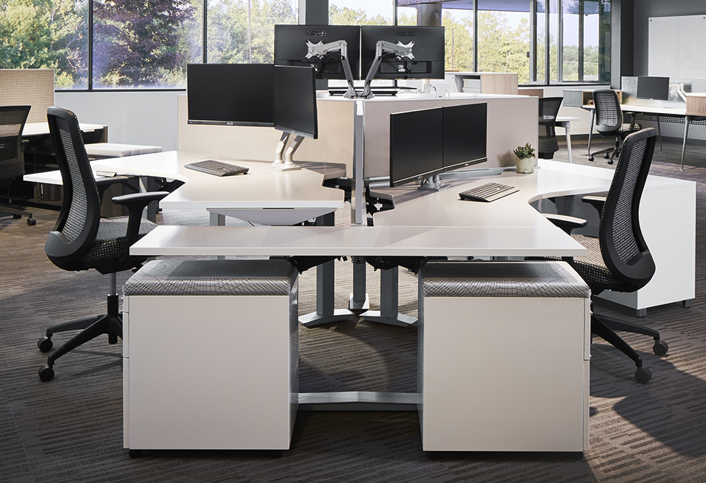 Aloft 120 degree Workstations