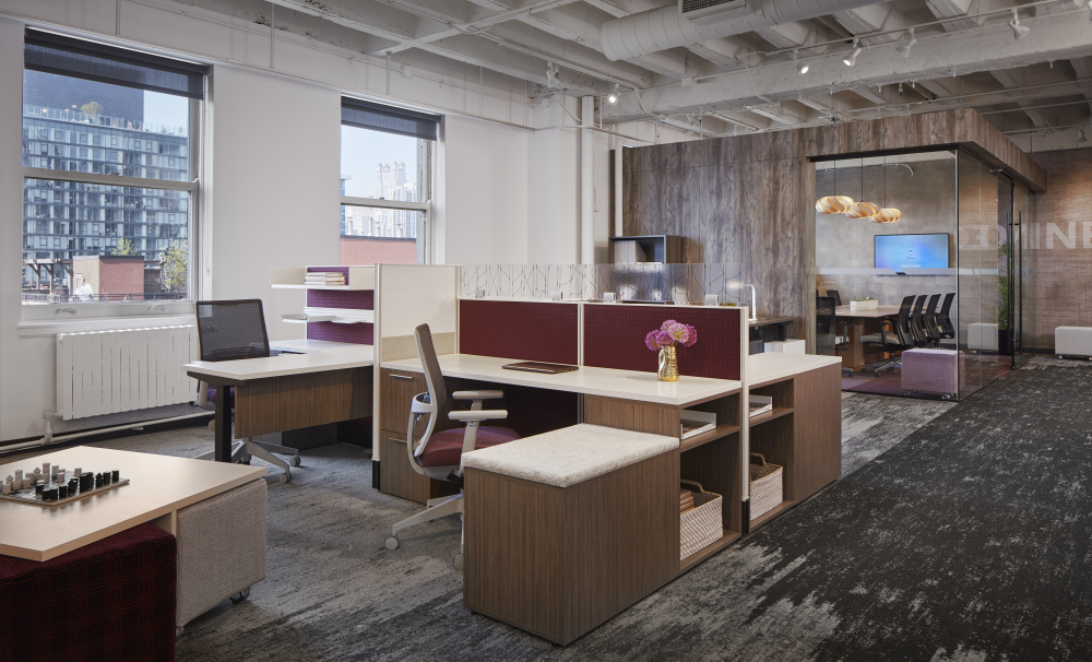 Chicago Showroom Divi Workstation